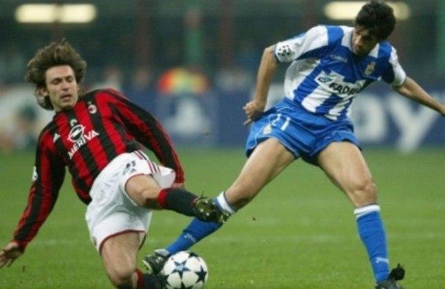 Em 2004, mais uma das magias do futebol. O Milan, buscando o bicampeonato, venceu o Deportivo La Coruña no jogo de ida das quartas por 4 a 1. Esse golzinho foi bem importante: na volta, os espanhóis golearam por 4 a 0 e passaram para as semifinais.