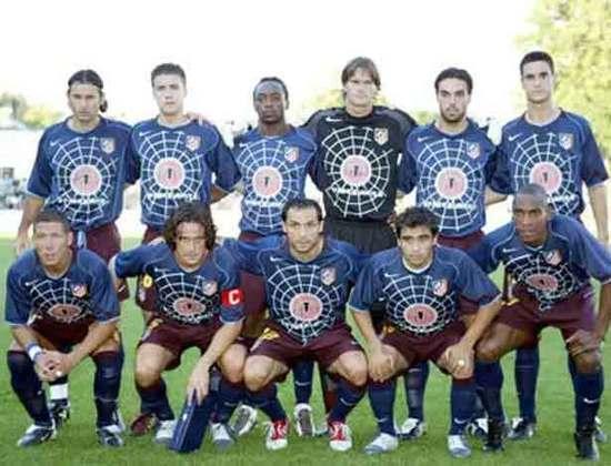 Em 2005, o Atlético de Madrid divulgou o lançamento do filme do Homem aranha e teve em uma de suas camisas o logo do super-herói além de uma teia em volta