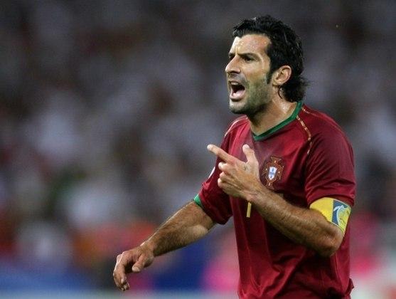 Em 2005, o técnico Emerson Leão, então no São Paulo, pediu a contratação do lendário meia português Figo, eleito o melhor jogador do mundo em 2001. Porém, o negócio não evoluiu.