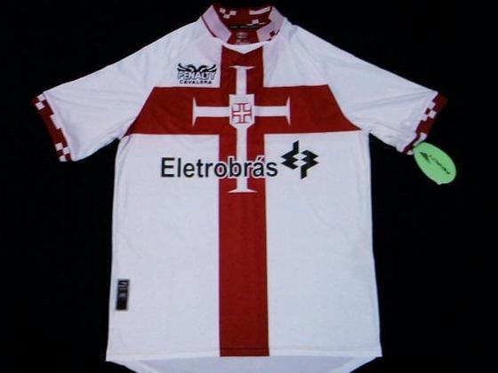 Em 2010, o Vasco lançou uma camisa um símbolo clássico, a Cruz de Cristo. O primeiro escudo do Vasco, criado em 1903, tinha uma Cruz de Cristo na caravela, à semelhança do que acontecia nas caravelas da época dos descobrimentos.