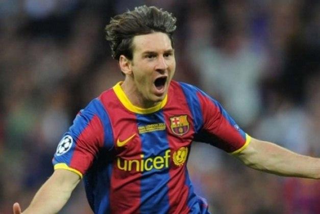 Em 2010/2011, o Barcelona se consagrou tricampeão seguido do Campeonato Espanhol. Na campanha, ele balançou as redes 31 vezes e deu 18 assistências em 33 partidas disputadas. A equipe também voltou a conquistar a Champions League, e o argentino marcou em mais uma final, novamente contra o United.