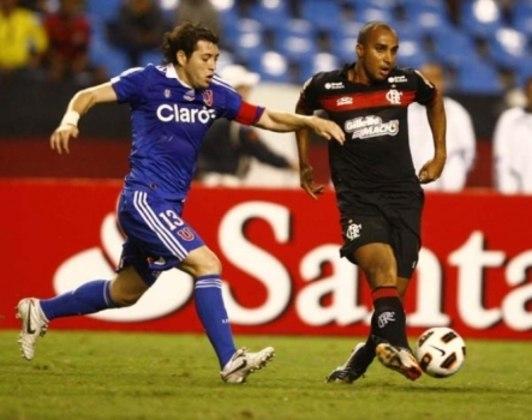 Em 2011, o Flamengo voltou a encontrar com a Universidad do Chile, agora pela Copa Sul-americana. E dessa vez, o time foi goleado no Nilton Santos por 4 a 0 e deu adeus a competição.