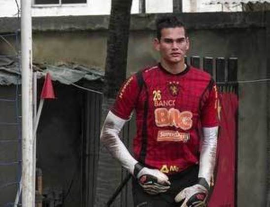 Em 2011, o goleiro Saulo, do Sport, deu a vitória ao Leão, com gol de cabeça nos acréscimos, em partida contra o Vitória das Tabocas, pelo Campeonato Pernambucano.