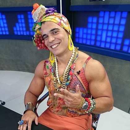 Em 2014, Maurício Borges, conhecido como Mano, teve que participar do programa Fox Sports Rádio vestido de Carmen Miranda, após prometer que faria isso caso o Flamengo não fosse rebaixado para a Série B do Campeonato Brasileiro.