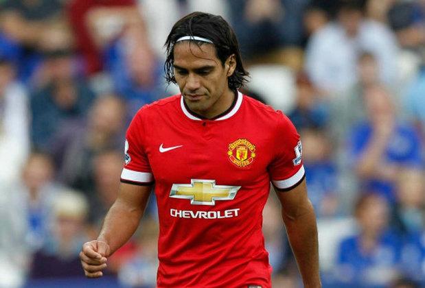 Em 2014, o Manchester United resolveu apostar em Falcao García. Mas o que se viu foi um jogador enfrentando sérios problemas físicos e mal tecnicamente. Assim, o clube inglês o devolveu para o Monaco