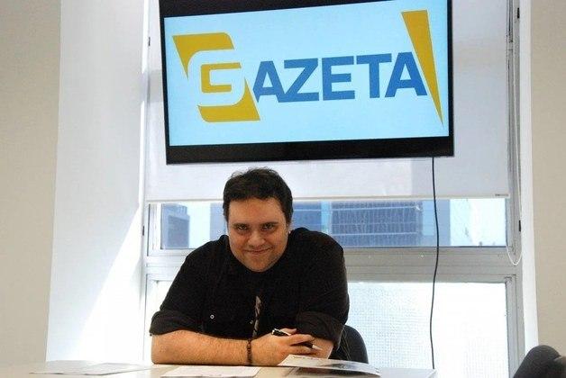 Em 2014, Rodrigo assinou contrato com a TV Gazeta, onde apresentou o Ouça!, programa sobre música em exibições semanais na emissora paulistana. A música sempre fez parte da vida do jornalista. Também apresentou o programa '5 Discos'.