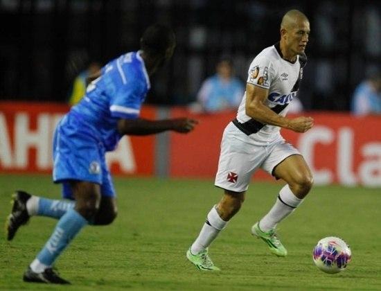 Em 2015, Nei chegou a ser afastado do Vasco por critérios técnicos. O lateral-direito ficou cerca de um ano treinando separado do elenco e acabou sendo reintegrado.