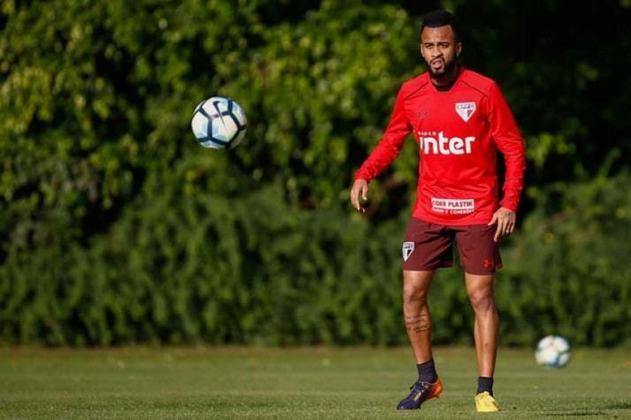 Em 2015, Wesley deixou o Palmeiras e se juntou ao São Paulo, onde jogou 82 vezes e marcou dois gols.