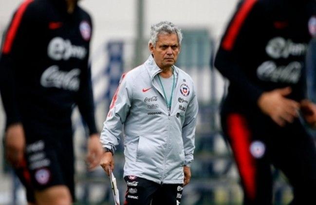 Em 2017, o Flamengo acertou com Reinaldo Rueda para ser o seu técnico por dois anos. No mesmo ano da sua chegada, o clube chegou as finais da Sul-Americana e da Copa do Brasil, porém perdeu ambas. Após 31 jogos, 13 vitórias e oito derrotas, deixou o comando para ser técnico da seleção chilena.