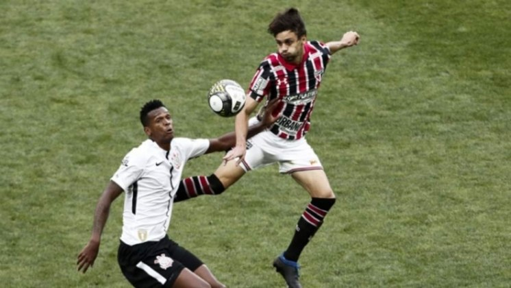 Em 2017, o São Paulo perdeu para o rival Corinthians na semifinal do Campeonato Paulista