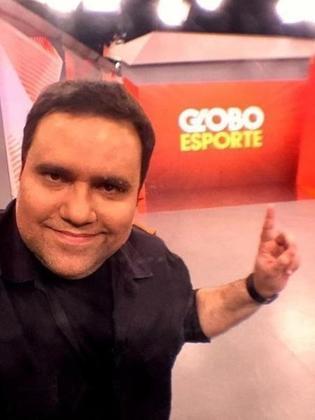 Em 2019, foi contratado pelo Grupo Globo, onde realizou aparições em diferentes programas do SporTV e apresentou em algumas oportunidades o Globo Esporte de São Paulo.