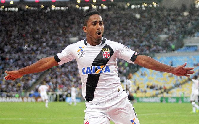 Em 2020, o atacante Jorge Henrique acionou o Vasco judicialmente por conta de uma dívida de R$ 1 milhão. Anteriormente, o jogador já havia processado o Corinthians pelo mesmo motivo.