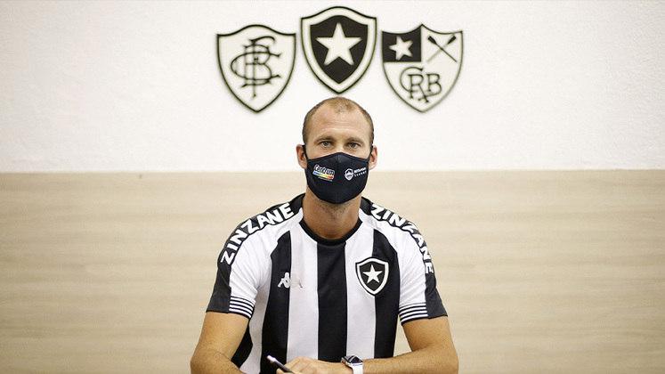 Em 2021, o retorno: Joel Carli foi anunciado como reforço do Botafogo por duas temporadas e irá ajudar na reconstrução do clube.