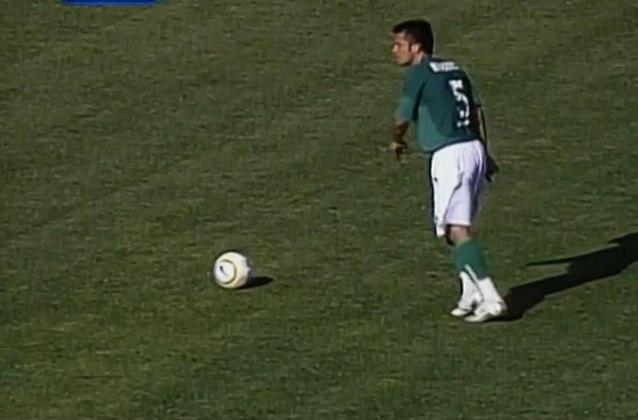 Em 4 de dezembro de 2005, na última rodada do Brasileiro, o Palmeiras fez, no Palestra Itália, um duelo direto diante do Fluminense por vaga na Libertadores, e só se classificava com vitória. Saiu atrás duas vezes, mas empatou com Washington e Juninho Paulista e, aos 35 minutos do segundo tempo, Correa fez golaço de falta para vencer por 3 a 2.