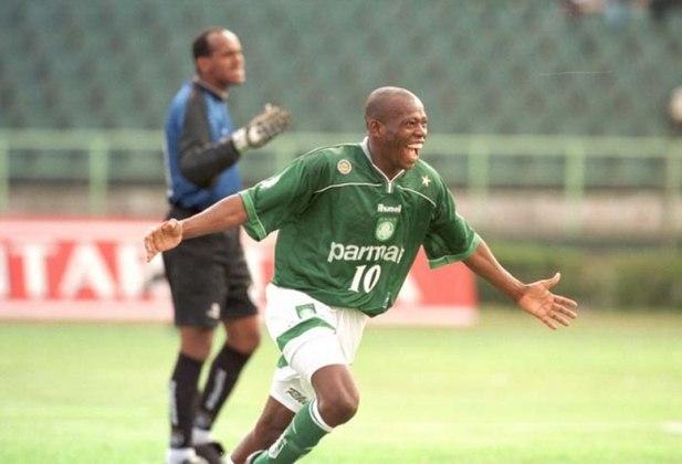 Em 6 de novembro de 1999, no Palestra Itália, pelo Brasileiro, o Botafogo levou 6 a 0. Asprilla fez dois gols. Cleber, Agnaldo Liz, Pena e Evair completaram.