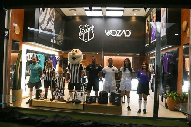 Em 67º lugar, temos o Ceará, que tem seu uniforme custando 46,77 dólares, o que equivale a 229,90 reais. O clube tem um fornecedor próprio, o Vozão.