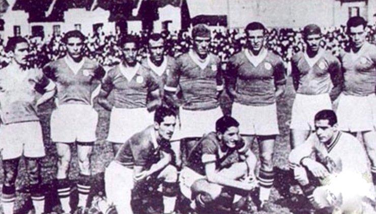 Em 9 de maio de 1937, foi decidido o Campeonato Paulista de 1936, e o Palestra Itália, jogando em casa, ficou com o título ao vencer o Corinthians por 2 a 1. Gols de Luizinho e Moacyr.