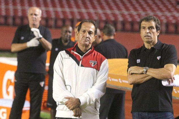 Em abril de 2015, Muricy Ramalho deixou o comando do São Paulo, em 'comum acordo'. Na época, o treinador passava por problemas de saúde e disse que não era uma despedida, mas sim um 'até logo'.