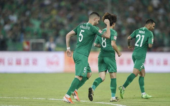 Em agosto, a China autorizou o retorno gradual das torcidas para os jogos da Superliga Chinesa de 2020, a divisão de elite do país.