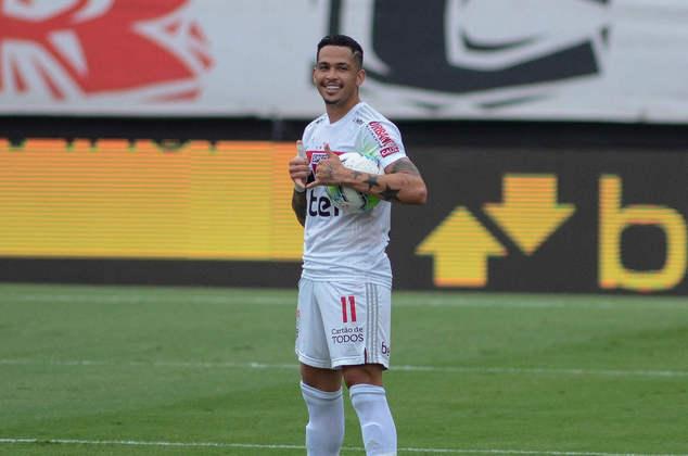 EM ALTA - Luciano - Atacante - São Paulo - Ao lado de Claudinho, Luciano marcou 18 gols e foi o artilheiro do Brasileirão. Foi o grande jogador do São Paulo na temporada e pode receber sua primeira convocação.