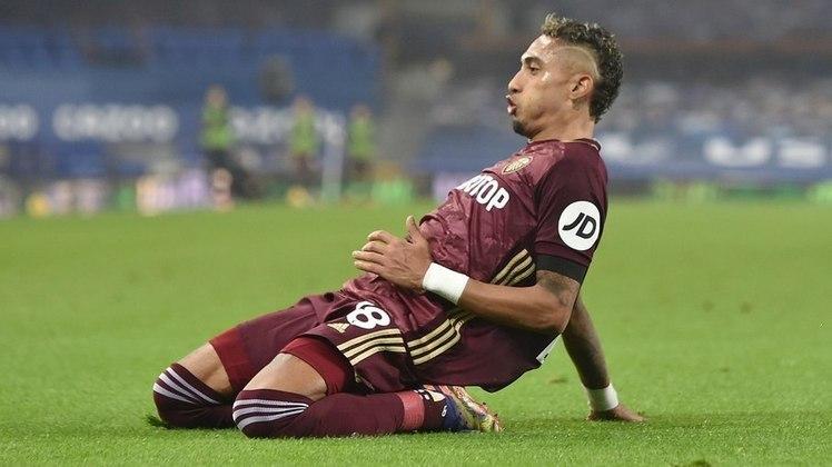 EM ALTA - Raphinha - Atacante - Leeds United - O Leeds vem fazendo boa campanha na Premier League e Raphinha é um dos responsáveis. O ponta marcou cinco gols e é o primeiro em assistência do time de Bielsa. Manchester United e Liverpool monitoram a situação do brasileiro.