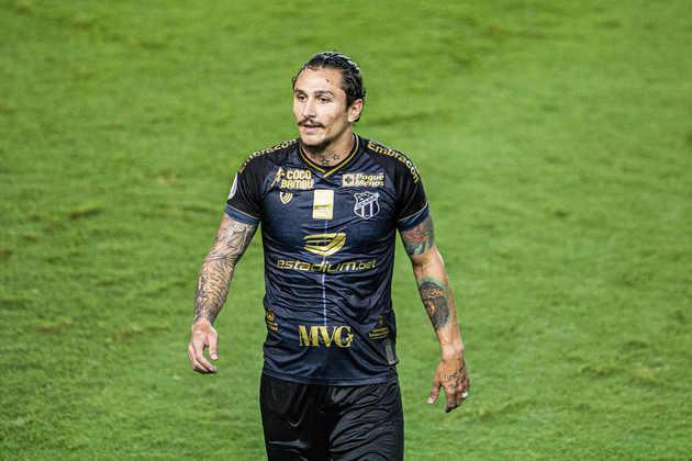 EM ALTA - Vinicius Vina - Meia - Ceará - A boa campanha do Vozão em 2020 se deve ao aproveitamento de Vina. Líder do ataque do Ceará com 13 gols e nove assistências, o atleta pode receber a primeira chance na Seleção.