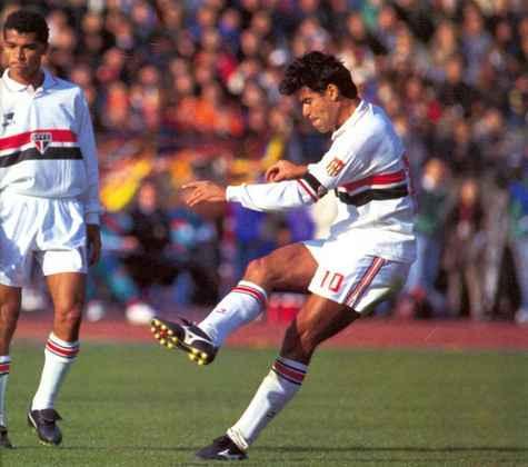 Em dezembro de 1992, veio aquela que talvez seja a atuação mais relevante da carreira de Raí: dois gols na vitória por 2 a 1 sobre o Dream Team do Barcelona na final do Mundial, em Tóquio, e o Tricolor no topo do planeta pela primeira vez.