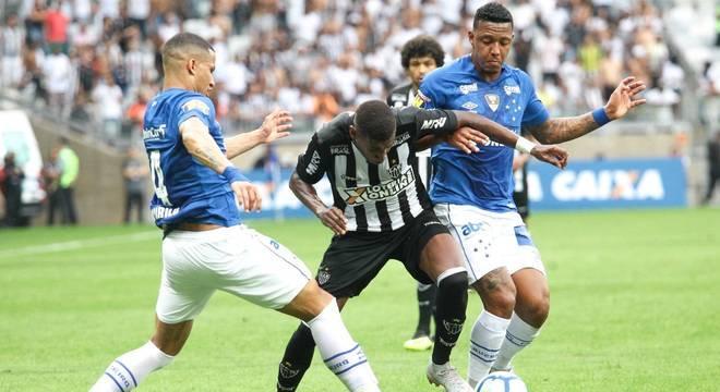Cruzeiro E Atletico Mg Empatam Em Classico Morno No Mineirao Esportes R7 Futebol