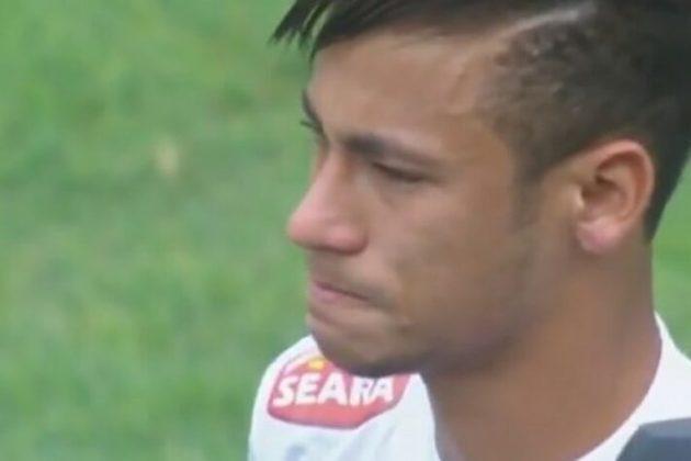 Em maio de 2013, o futebol brasileiro chorou. O menino Neymar fez o seu último jogo pelo Peixe, em um jogo contra o Flamengo, em Brasília, pelo Campeonato Brasileiro. O atacante se transferiu para o Barcelona e hoje atua no Paris-Saint Germán (FRA).