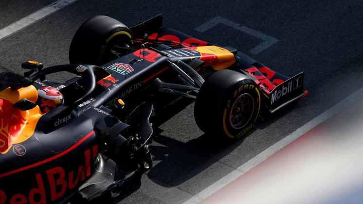 Em movimento semelhante ao de 2016, a Red Bull rebaixou Pierre Gasly e assinou com Alexander Albon.