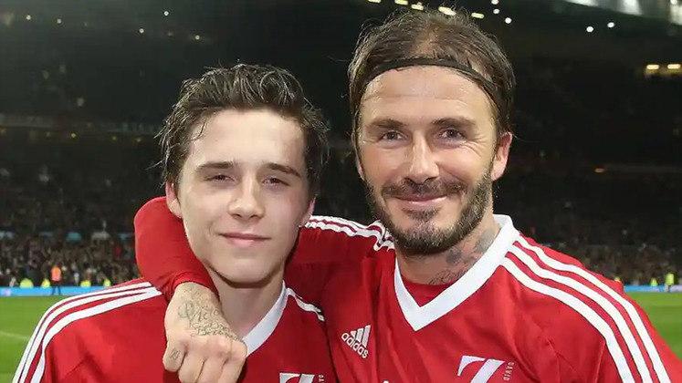 Em partida beneficente feita pela Unicef, David Beckham deu lugar para seu filho, Brooklyn Beckham, no segundo tempo do jogo.