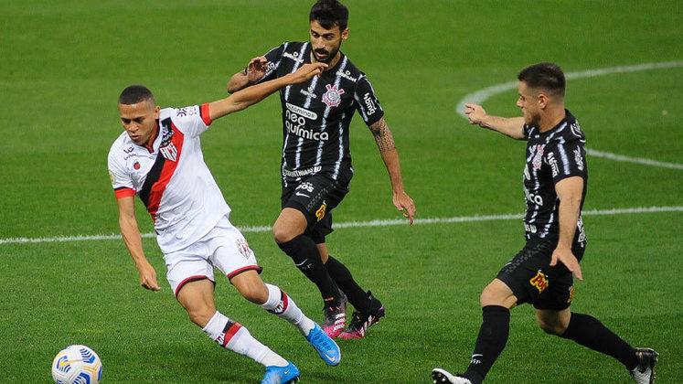 Em partida válida pela primeira rodada do Campeonato Brasileiro 2021, o Corinthians recebeu o Atlético-GO na Neo Química Arena e perdeu por 1 a 0, com gol de Zé Roberto. Veja as notas dos atletas do Timão e os pontos positivos e negativos do Dragão.