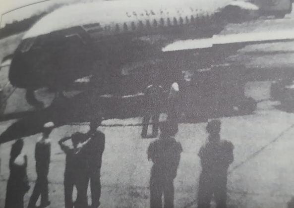 Em primeiro de janeiro, um avião Caravelle da companhia Cruzeiro Sul, que faria o Voo 114 de Porto Alegre para o Rio de Janeiro, mudou de rota. Seis guerrilheiros sequestraram o avião com o objetivo de levá-lo para Cuba. Após um desvio em Buenos Aires no qual desembarcaram apenas os idosos, o voo teve um momento dramático em Lima: ficou retido por 27 horas devido a problemas na bateria. Somente dias depois, o objetivo foi cumprido: Marília Guimarães Freire (esposa do guerrilheiro Fausto Machado Freire) e seus dois filhos desembarcaram em Havana.