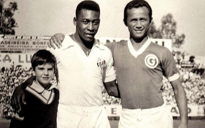 Em seguida, veio o Guarani. Diante do Bugre, Pelé balançou as redes 41 vezes