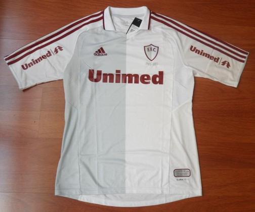 Em seu aniversário de 110 anos de fundação, o Fluminense lançou uma camisa especial nas cores cinza e branca. A peça, inspirada nos uniformes do clube em 1903 e 1904, tinha a utilização do primeiro escudo do clube.