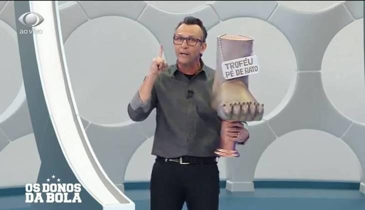 Em seu programa, Neto aprontou mais uma. Ele criou o Troféu 'Pé de Rato' e dedicou ao meia Lucas Lima. Inclusive, sugeriu uma aposta: caso o jogador do Palmeiras faça 10 gols no ano, ele quebrará o troféu ao vivo.