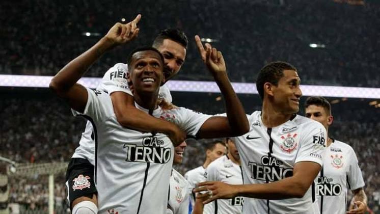 Em sua segunda passagem pelo Corinthians, em 2017, Jô foi muito feliz, conquistou dois títulos e marcou 25 gols ao longo da temporada. Para isso, porém, contou com a ajuda de alguns colegas, que lhe deram assistências. Confira os maiores garçons do centroavante naquele ano: