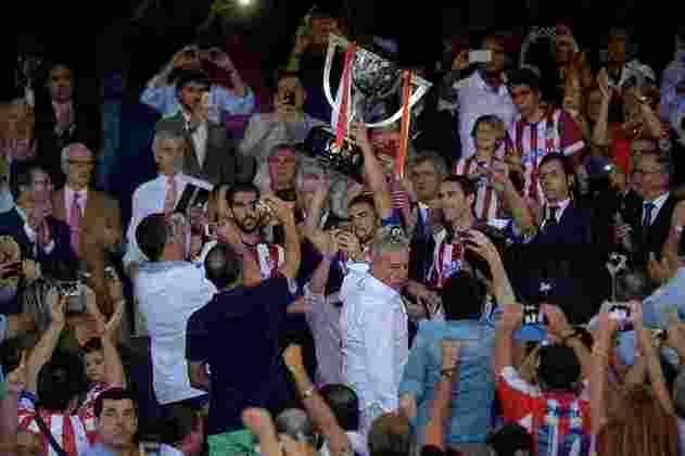 Em terceiro lugar, o Atlético de Madrid já levantou a taça em dez oportunidades, sendo duas delas com Diego Simeone: uma como jogador (1995/1996) e outra como treinador (2013/2014).