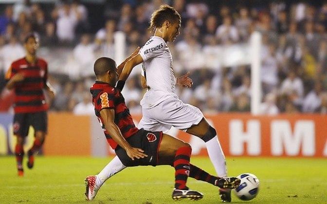 Em um jogo histórico na Vila Belmiro, na vitória do Flamengo sobre o Santos por 5 a 4, Neymar fez o gol mais bonito de sua carreira.  O atacante passou por quatro marcadores adversários e fez o gol que lhe rendeu o prêmio Puskas da Fifa em 2011