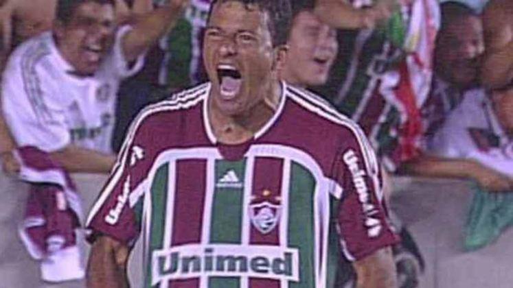 Em uma das viradas mais emocionantes da história do Fluminense, na Libertadores de 2008 a equipe perdeu para o São Paulo por 1 a 0 na ida. No Maracanã, venceu por 3 a 1 com gol de Washington no final