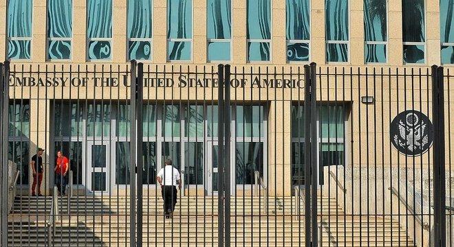 """No final de 2016, funcionários da Embaixada dos EUA na capital cubana começaram a apresentar """"um incomum conjunto de sintomas e sinais clínicos"""""""