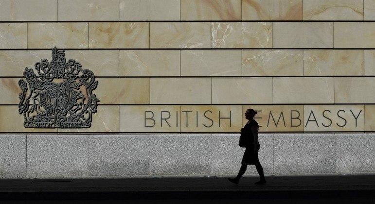 Funcionário da embaixada do Reino Unido, na Alemanha, é acusado de espionagem para a Rússia