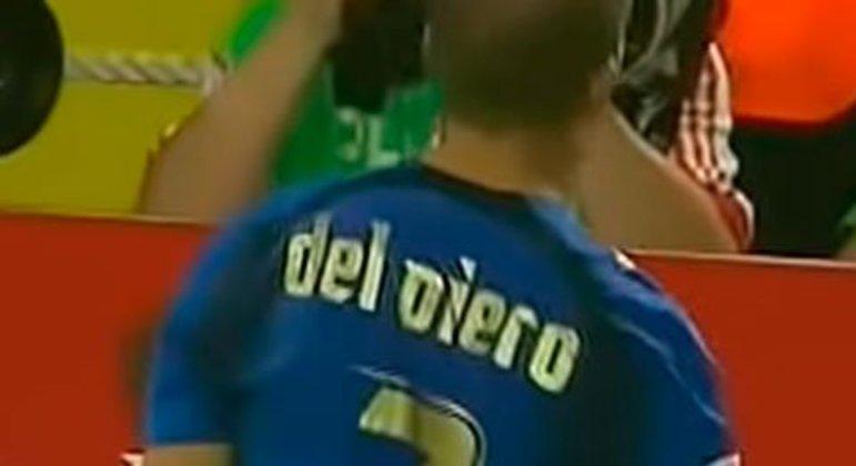 Embora usasse a camisa 10 na Juventus, onde é um dos maiores ídolos da história, o astro Del Piero vestia a sete na seleção italiana, inclusive no título da Copa do Mundo 2006.