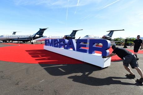 Boeing desiste de fusão com Embraer