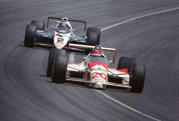 Emerson Fittipaldi deixou a F1 em 1980, depois de dez anos e dois títulos mundiais. Após uma breve pausa na carreira, foi à Indy, onde conquistou o título de 1989 e duas vezes as 500 Milhas de Indianápolis