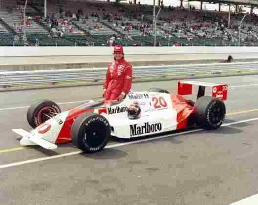 Emerson Fittipaldi foi o primeiro brasileiro a vencer a Indy 500. Triunfou em 1989 e 1993