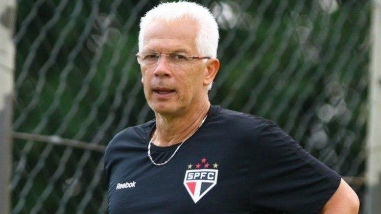 Emerson Leão (2011-2012) - Foi o terceiro técnico do Tricolor no ano. Ficou fora da Libertadores. Ao todo, realizou 89 jogo, com 53 vitórias, 18 empates e 18 derrotas.