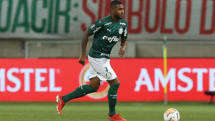 Emerson Santos (zagueiro) - três jogos e zero gols
