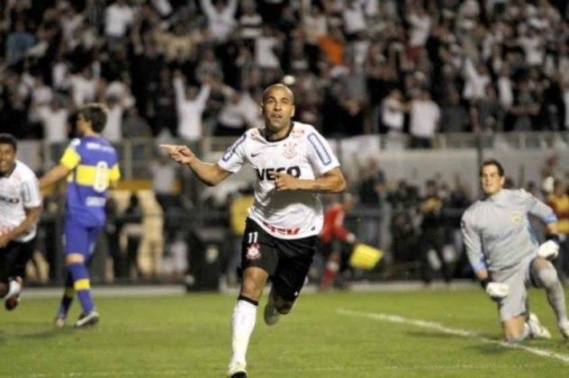 Emerson Sheik - Corinthians 2 x 0 Boca Juniors - 2012 - Os dois gols de Sheik na final da Libertadores contra o Boca estão guardados na memória do torcedor corintiano. No primeiro, ele recebeu de Danilo e marcou. Já o segundo, arrancou e tocou na saída do goleiro.
