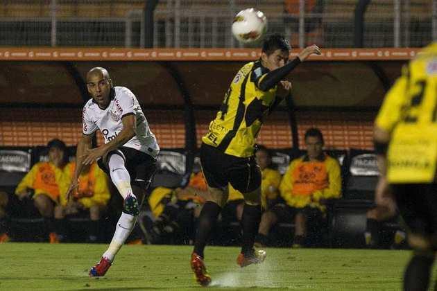 Emerson Sheik: ídolo do único título de Libertadores do Corinthians, Sheik deixou o clube em 2015. Em sua segunda passagem, que começou em 2018, já sofria com a idade mais avançada, porém foi importante em momentos decisivos, como o Paulistão do mesmo ano